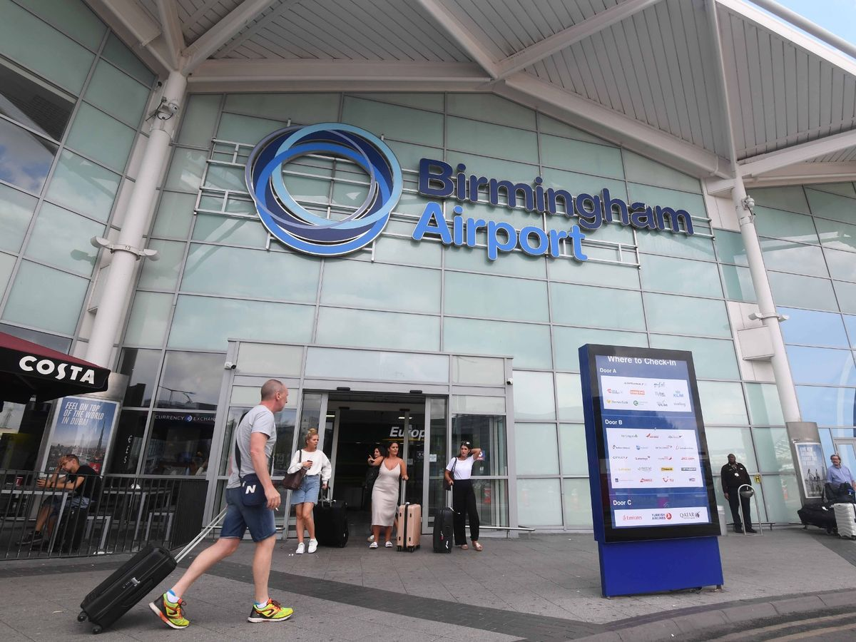 1_The-main-entrance-at-Birmingham-Airport