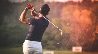 man-playing-golf_1286-128